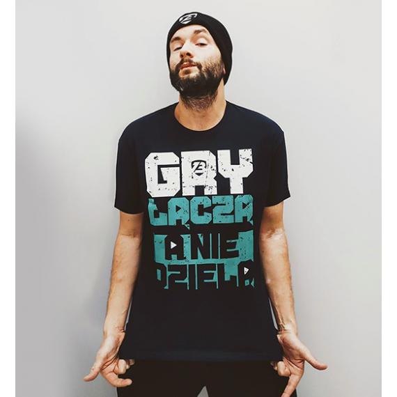 """T-Shirt """"Gry łączą, a nie dzielą"""""""